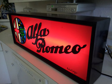 Alfa Romeo, black light box